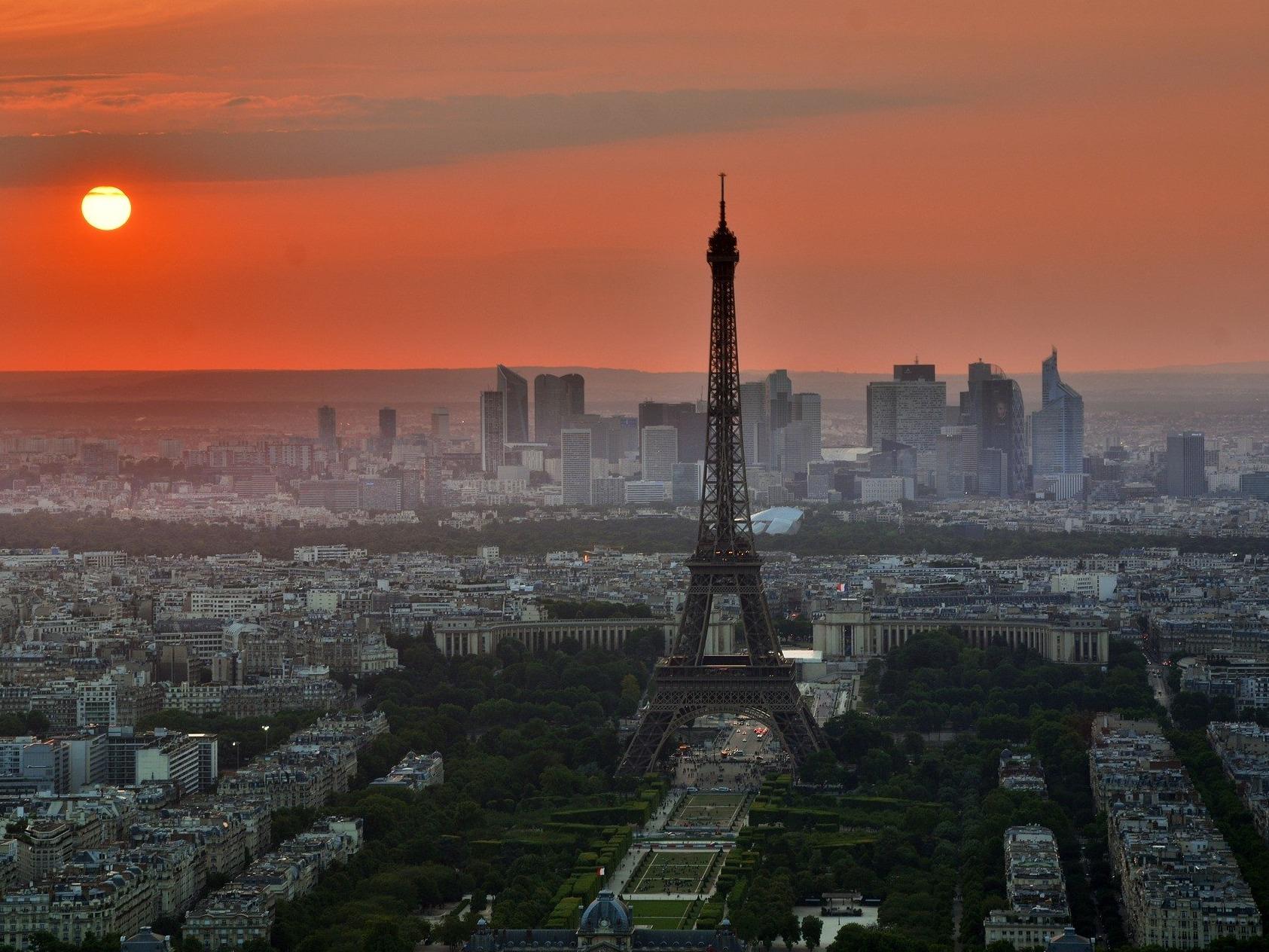 Allier sport et tourisme à Paris