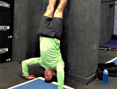 CrossFit, découvrez ou redécouvrez le HSPU !