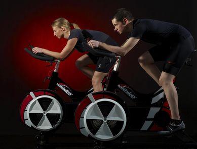 Le wattbike un v lo indoor innovant - Velo salle de sport pro ...