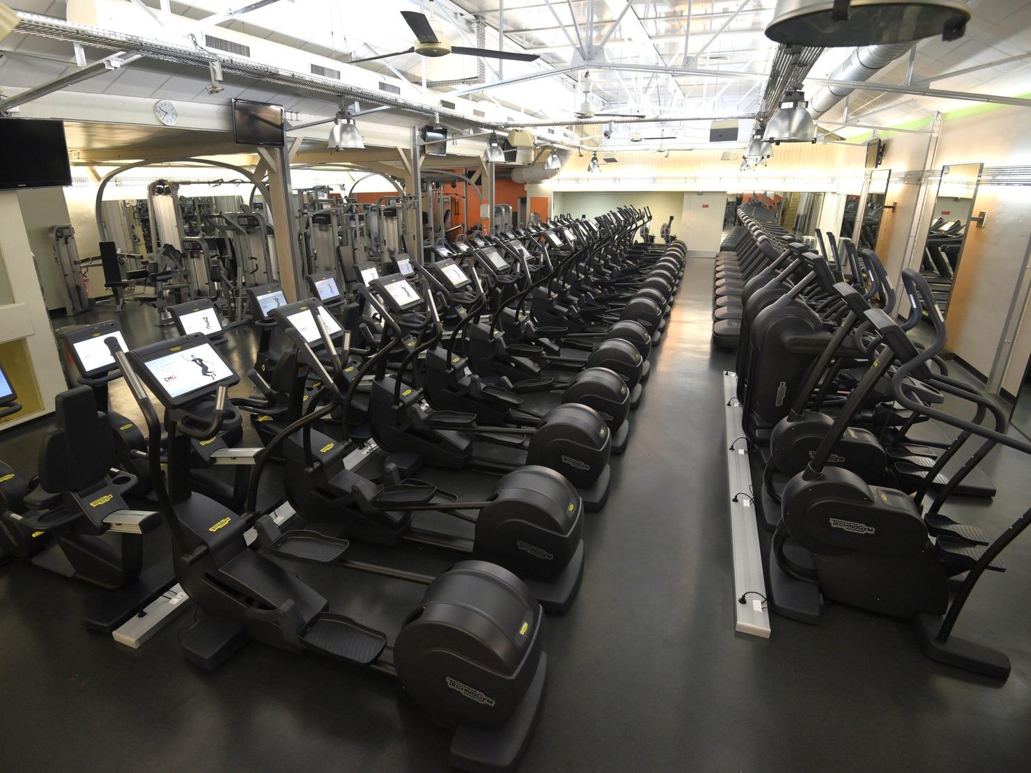 club med gym paris 75006. Black Bedroom Furniture Sets. Home Design Ideas