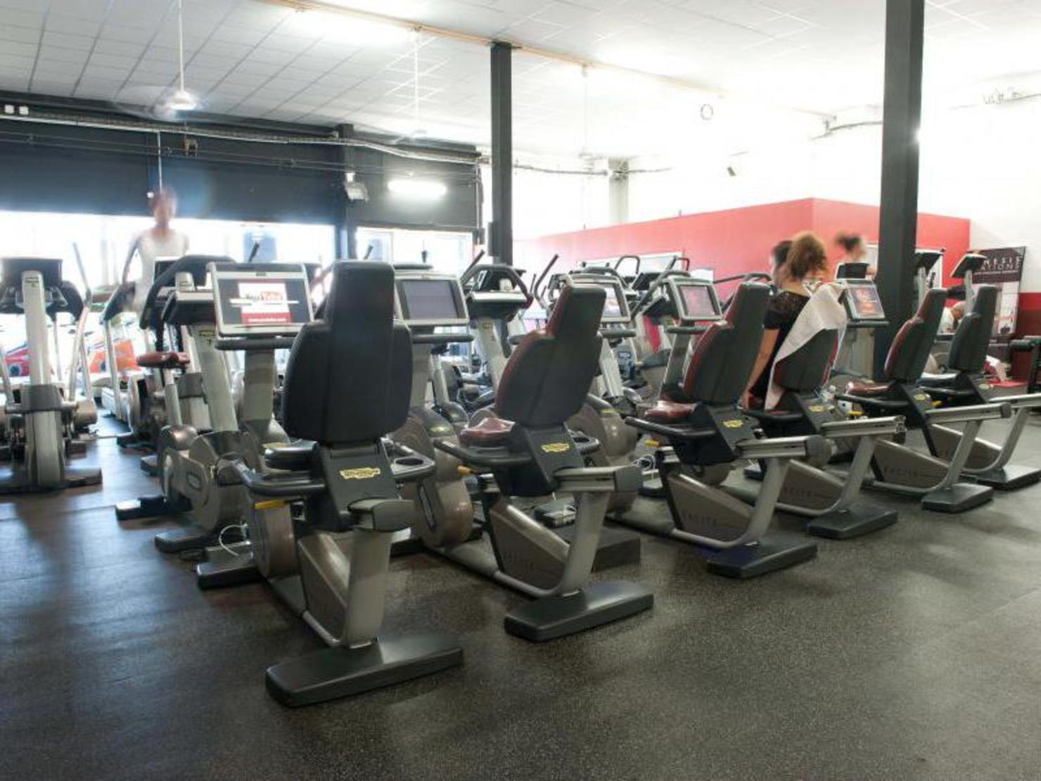 salle de sport gonesse 28 images salle de sport qgf lyon plateau musculation les activit. Black Bedroom Furniture Sets. Home Design Ideas