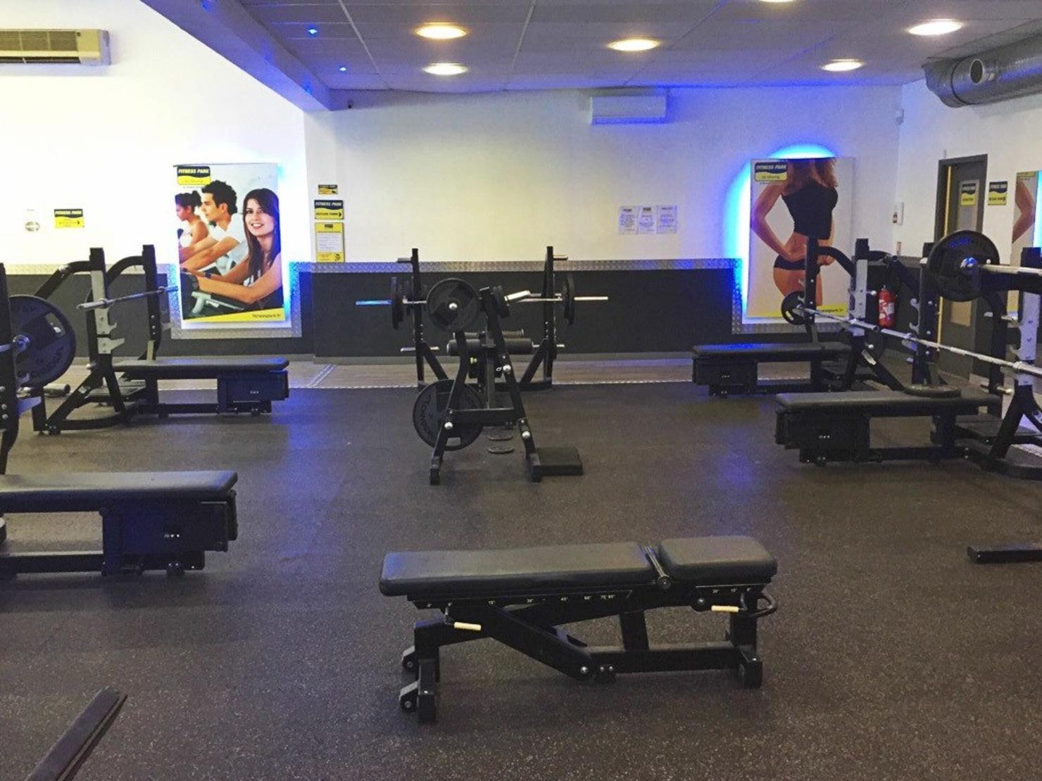 fitness park nimes tarifs avis horaires offre d couverte. Black Bedroom Furniture Sets. Home Design Ideas