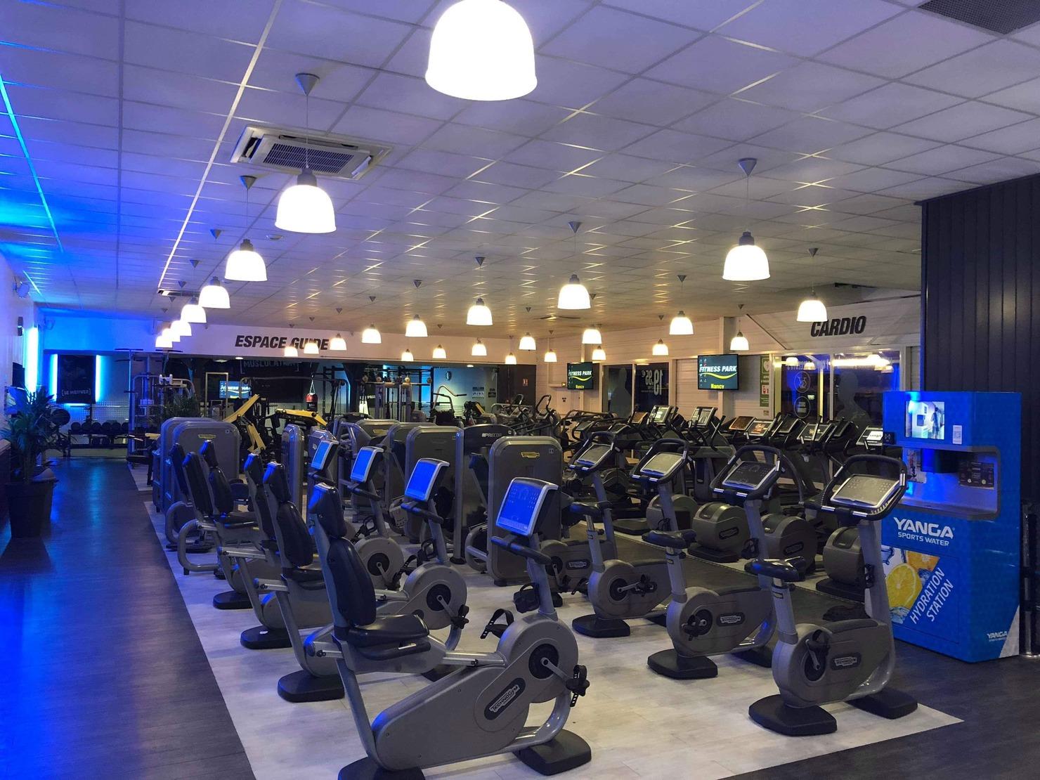 Entraîneur personnel Instructeur Fitness Gym personnalisé carte de rendez-vous