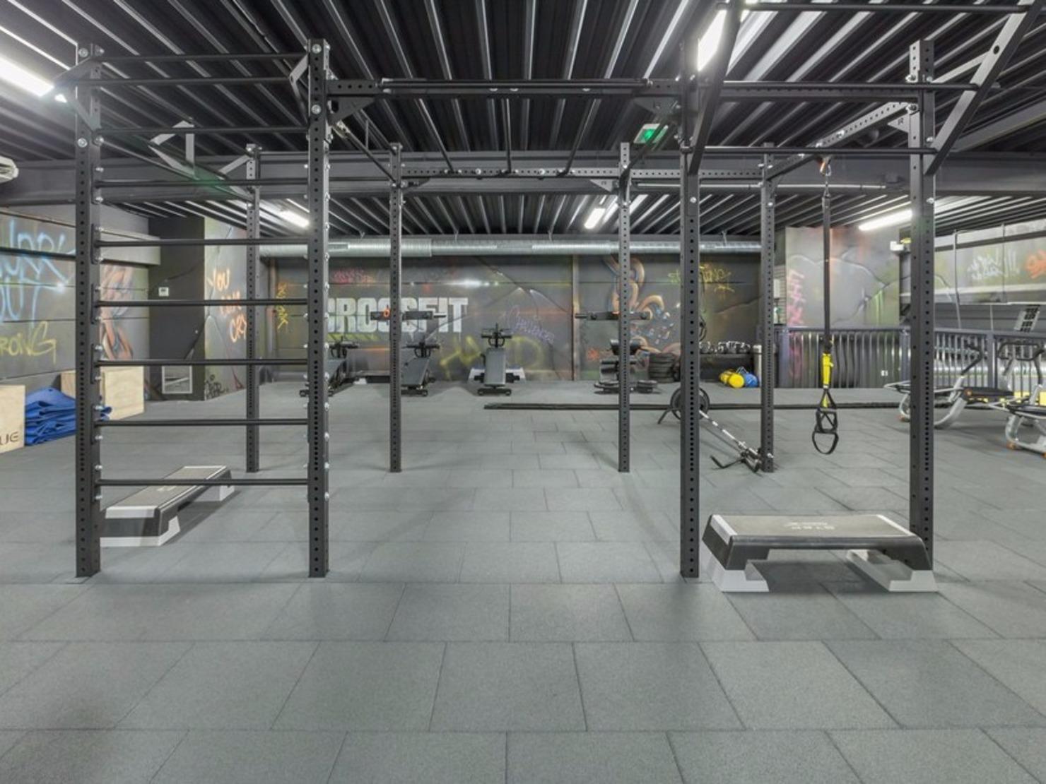 Les 1 salles de sport de Drancy sont à votre service et vous proposent par ex. de faire du sport en intérieur. Avec un complexe sportif pour Drancéens, et vous réussirez sans mal à trouver un salle de sport pour suivre des cours de danse.