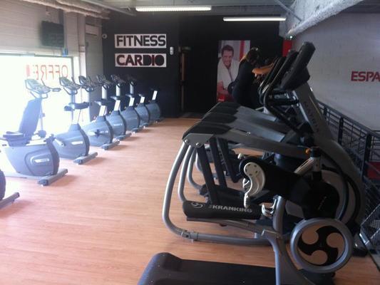 24h fitness tours tarifs avis horaires essai gratuit. Black Bedroom Furniture Sets. Home Design Ideas