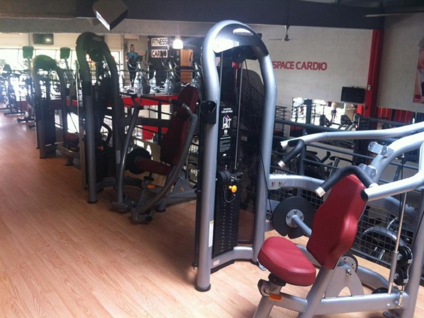 iron gym tours tarifs avis horaires essai gratuit. Black Bedroom Furniture Sets. Home Design Ideas