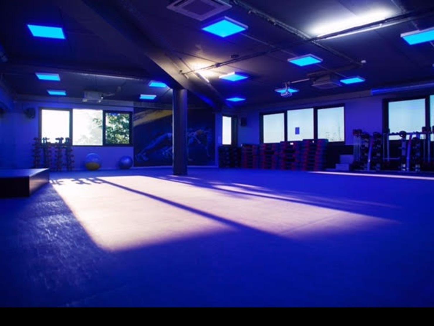 salle de sport bonneuil 28 images une salle de musculation enti 232 rement 233 quip 233 e. Black Bedroom Furniture Sets. Home Design Ideas