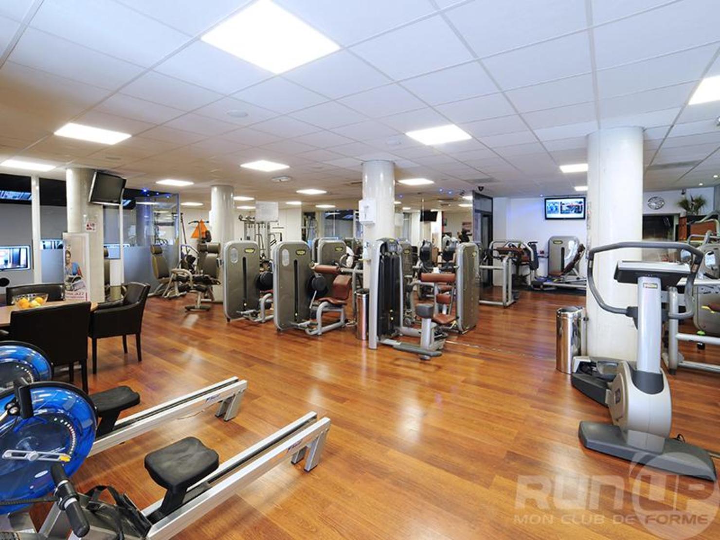 Run'Up Premium Fitness Nimes Centre